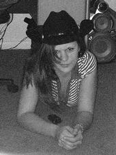 Tesh, 32, woman